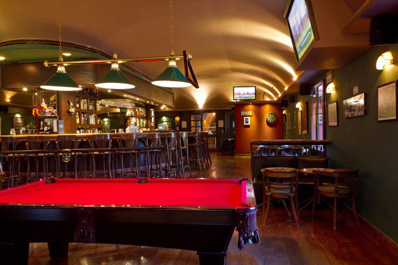 Clap Irish Pub