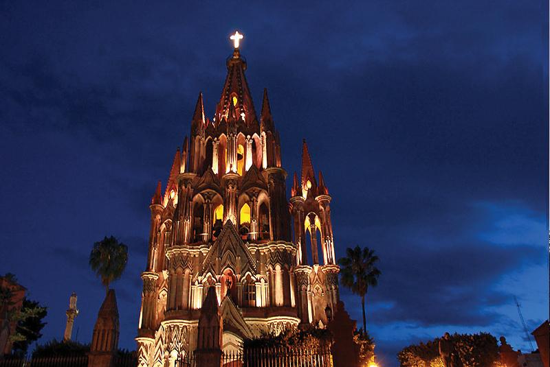 Parroquia de San Miguel Arcángel  de-paseo-sanmiguel